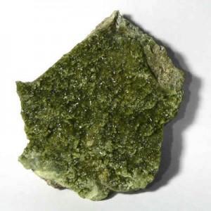 Камень везувиан фото