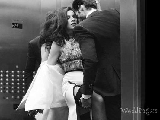 Секс в лифту
